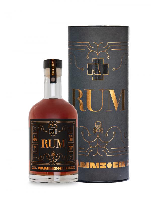 """<div class=""""woocommerce et-dynamic-content-woo et-dynamic-content-woo--product_short_description""""><p><span class=""""name""""><strong>Industrial Metal Rum</strong></span></p> <p>Dieser Rum ist ein ausgewogener Blend aus jamaikanischen und guyanischen Potstill Rum, und Column Still Rum aus Trinidad. Rammstein Rum reifte bis zu 12 Jahren in ex-Bourbonfässern, was dem Rum einen Hauch von holzigem Rauch und eine warme Bernsteinfarbe verleiht.</p> </div>"""